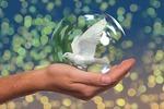 Der Mensch, der mit sich selbst in Friede lebt, lebt auch mit der Welt in Frieden.